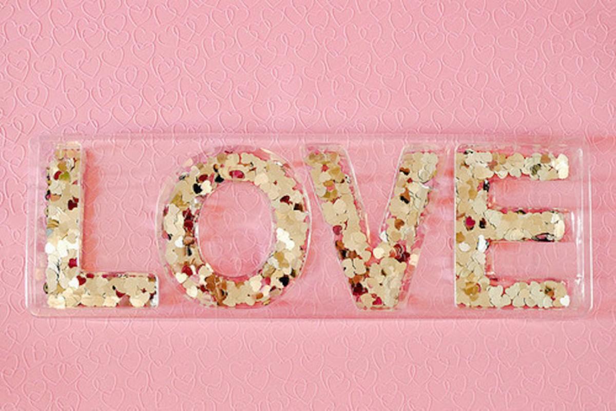 Pale Love