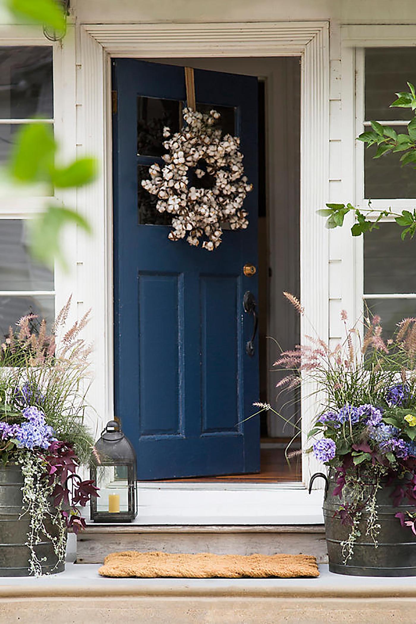 Charmant Cotton Wreath Door